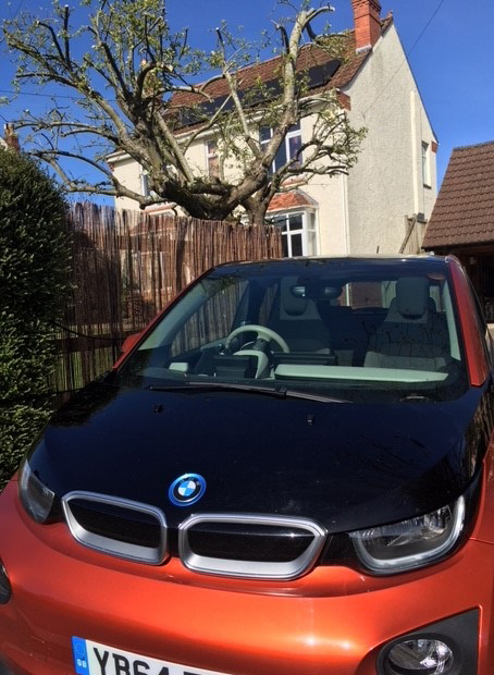 BMW i3 with solar panels on roof